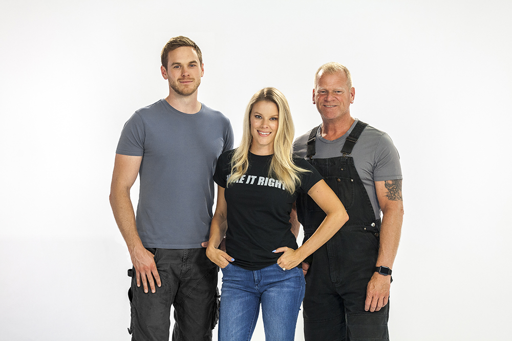 Mike Holmes and family